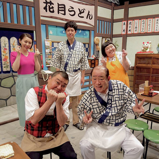 小籔座長の元で出演する酒井藍さん(右上)