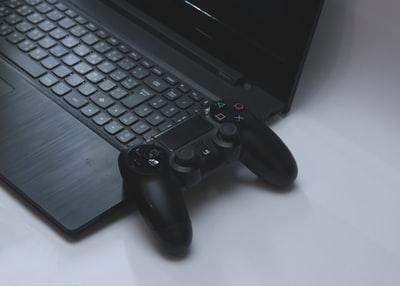 パソコン ゲーム コントローラー