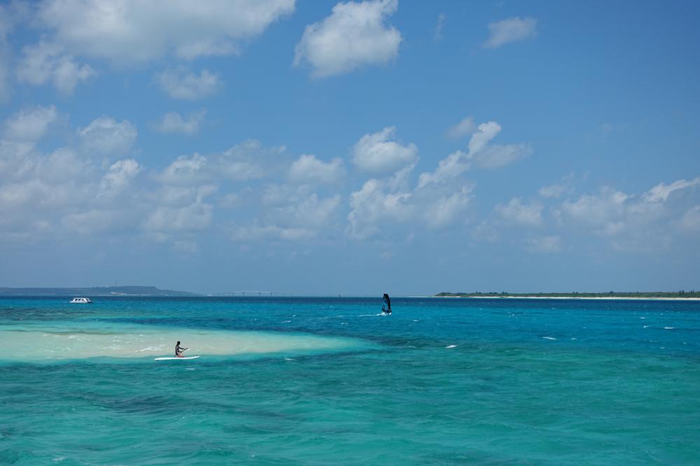 来間島でウインドサーフィン