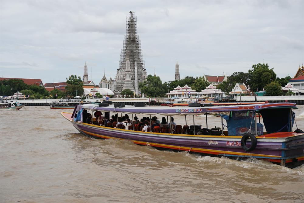 タイ旅行 川とボート