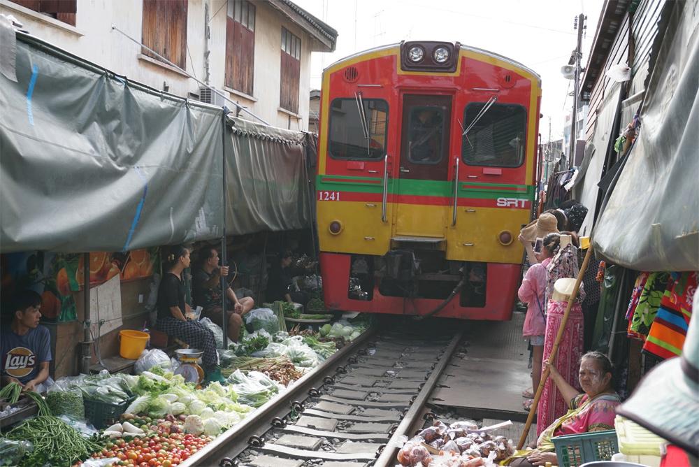 タイ旅行 電車