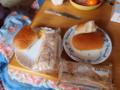 [東日本大震災]配給のパン