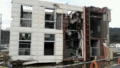 [twitter] 横倒しの建物。地震でも倒れないであろうが…