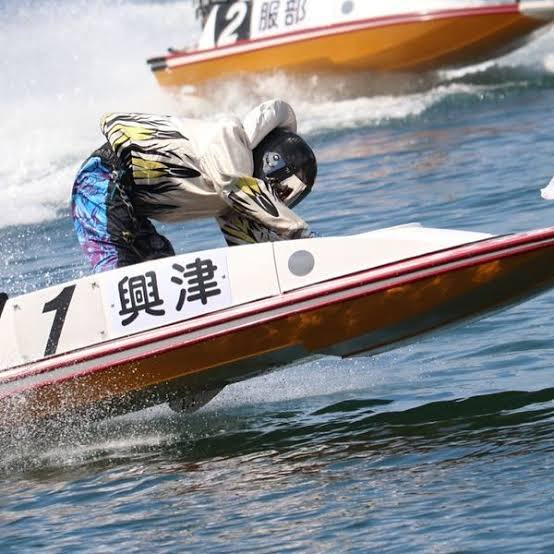 興津藍 競艇