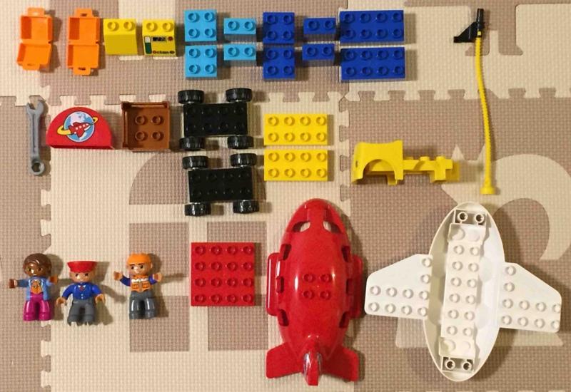 LEGO duplo 10590 レゴ デュプロ のまち くうこう 袋から取り出して並べてみました
