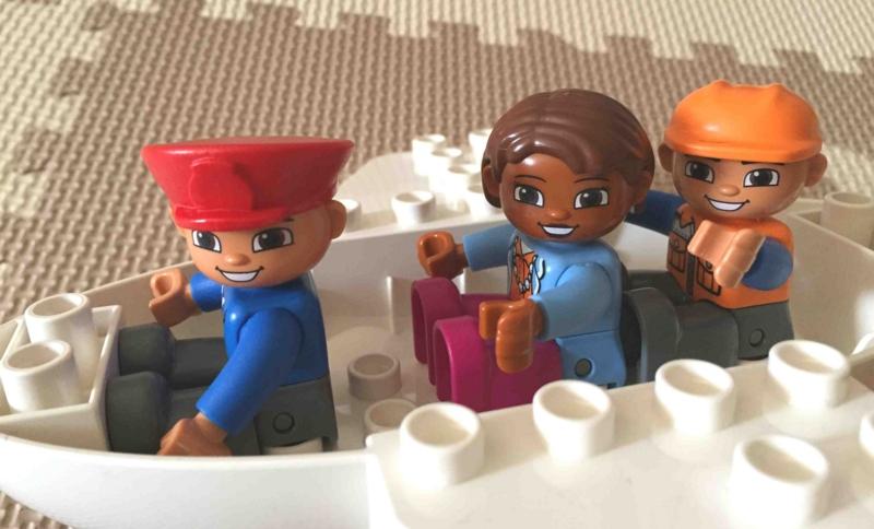 LEGO duplo 10590 レゴ デュプロ のまち くうこう 3人まで人形を乗せられる