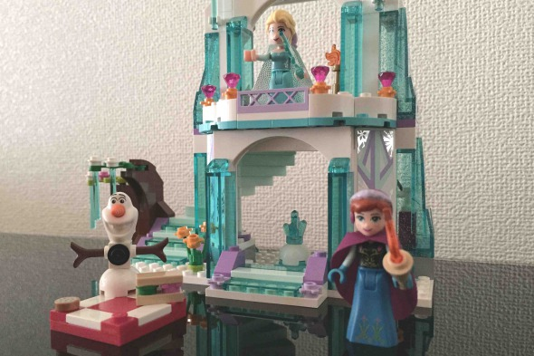 レゴ ディズニー・プリンセス エルサのアイスキャッスル LEGO 41062 Disney Princess Elsa's Sparkling Ice Castle 組み立て完了