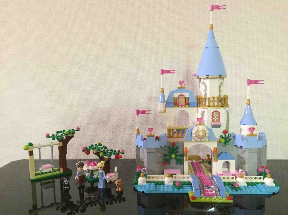 レゴ シンデレラの城 41055 LEGODisneyPrincessCinderella_Romantic_Castle 41055