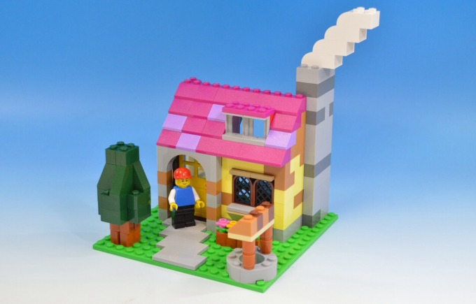 PlusL\u0027s Remake Instructions of Chimney House for LEGO 10698
