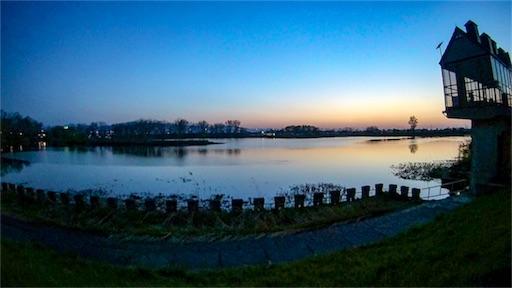 地元札幌の湖と夕日の写真