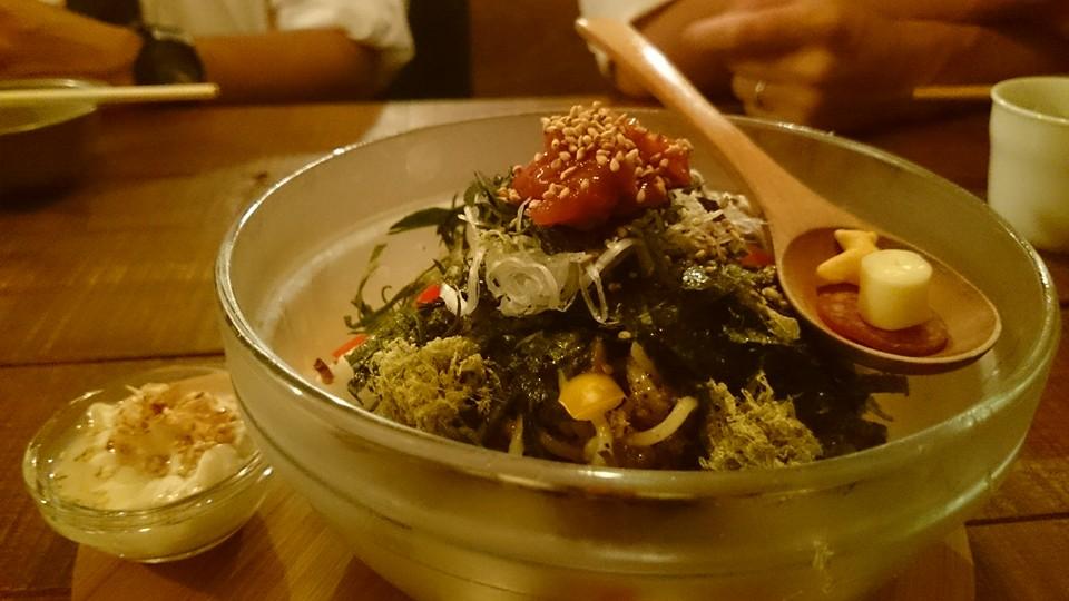 モガメンの梅とろジャジャ麺