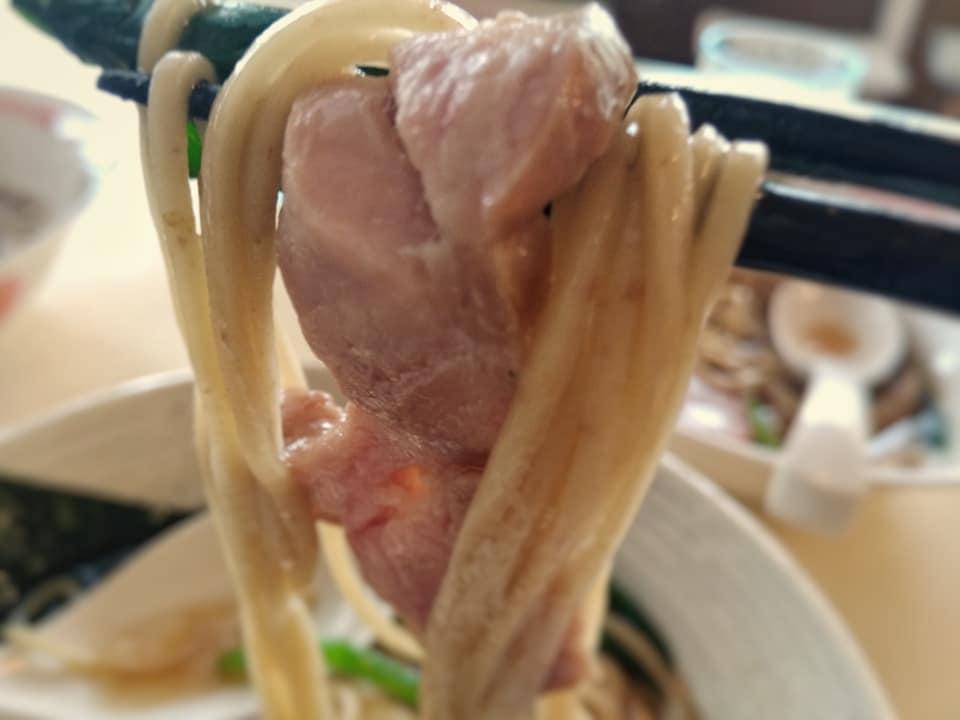 NAGISA:チャーシューと麺
