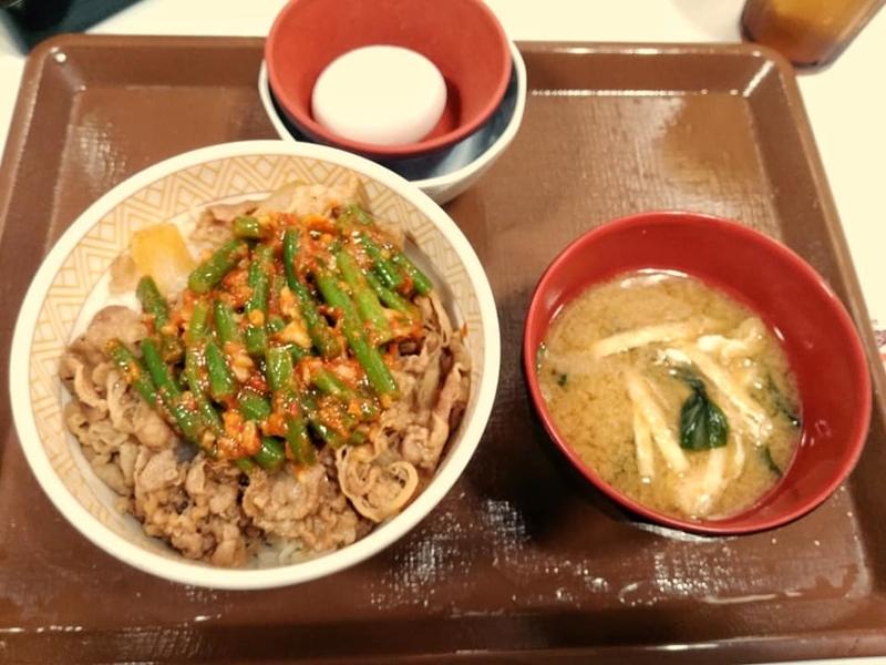 すき家 507号八重瀬店:ニンニクの芽牛丼みそしるセット