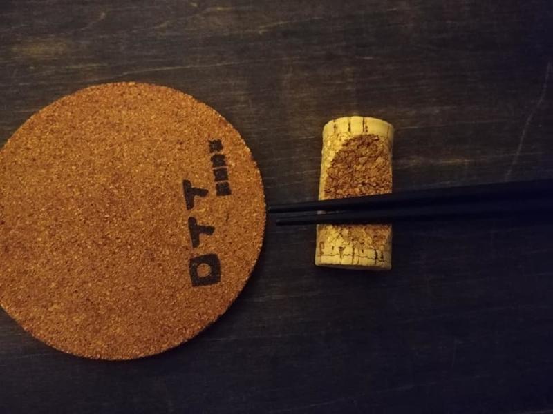 洋食酒場 トトロ:箸置きとコースター