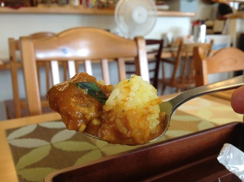 くじらブックス&Zou Cafe:バターチキンカレー実食