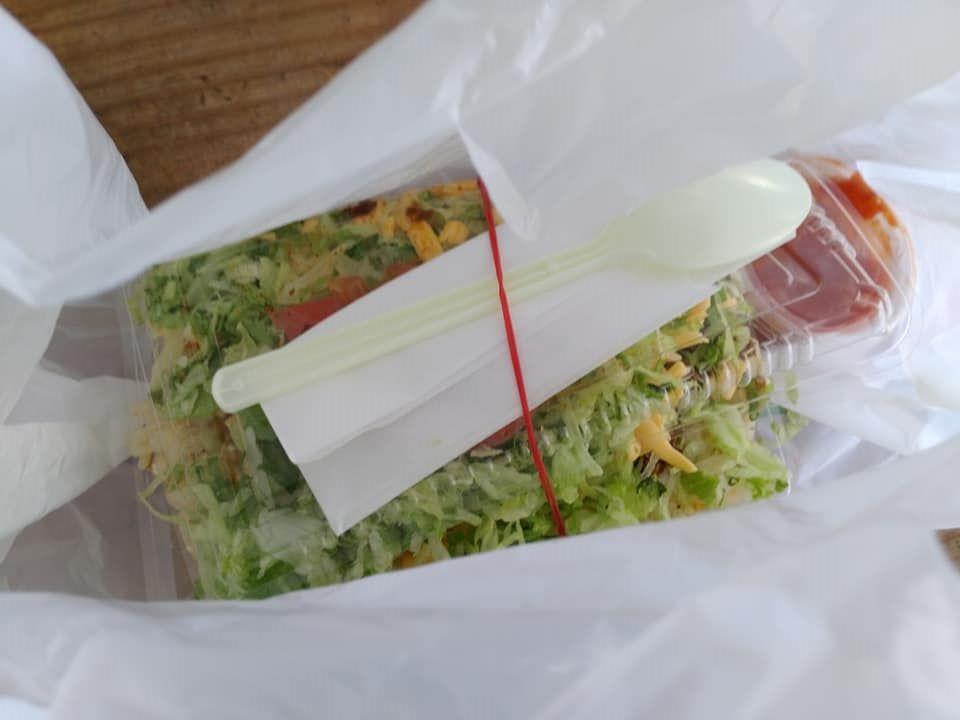キングタコス 長田店:タコライス(タコチキンフライライスチーズ野菜)受け取り