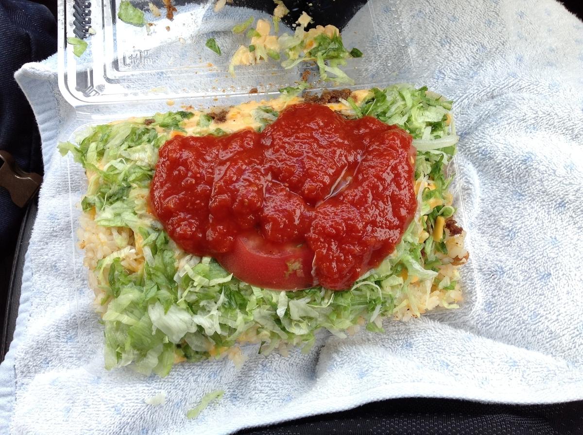 キングタコス 長田店:タコライス(タコチキンフライライスチーズ野菜)サルサソース