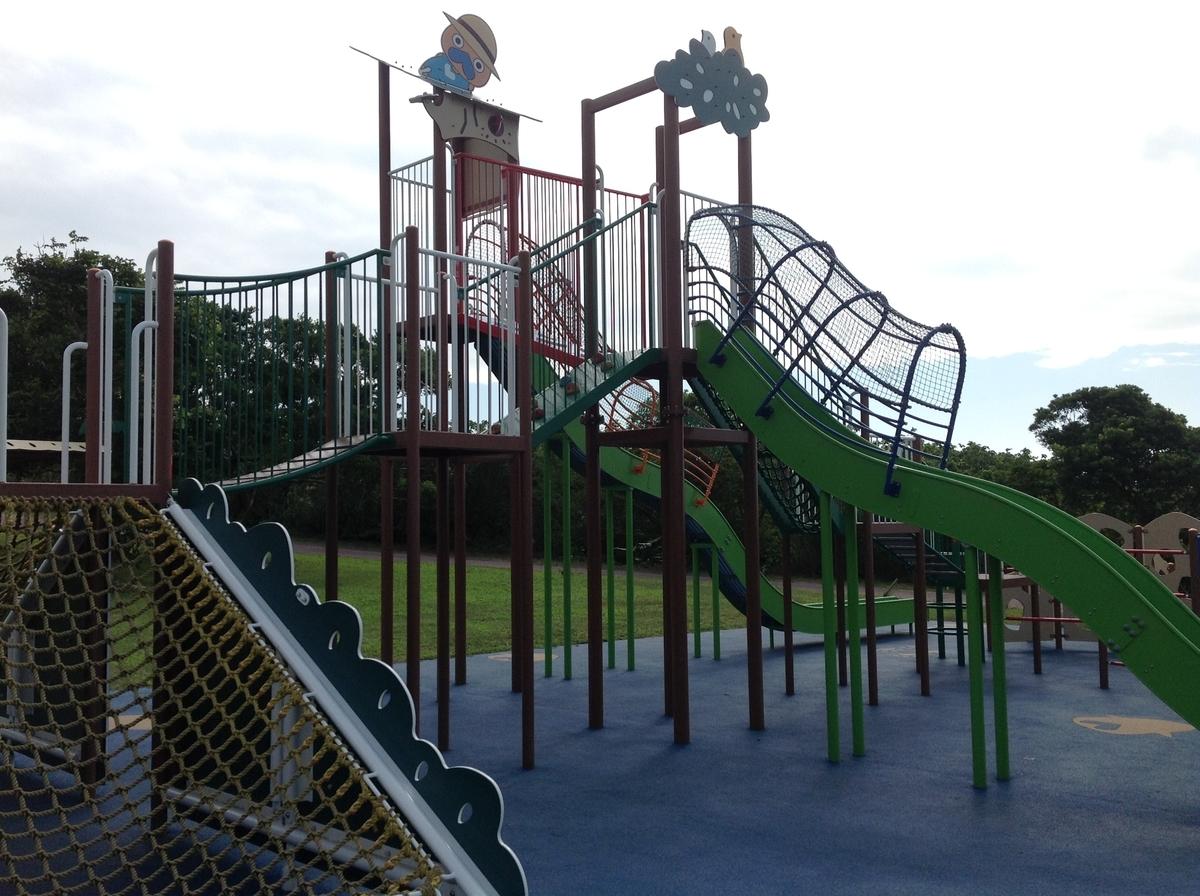 グスクロード公園:横から見たジム