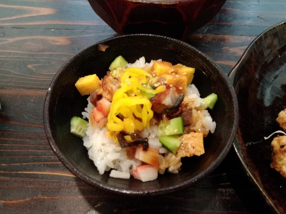 ごはん屋 de SU-SU-SOON:ちらし寿司丼