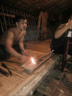 伝統的な火起こし