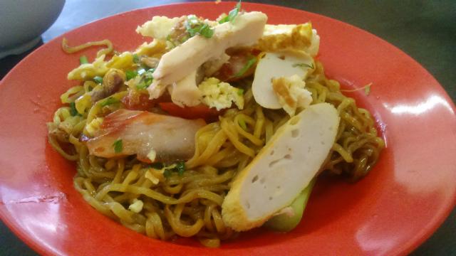 タンパルリ名物の麺料理