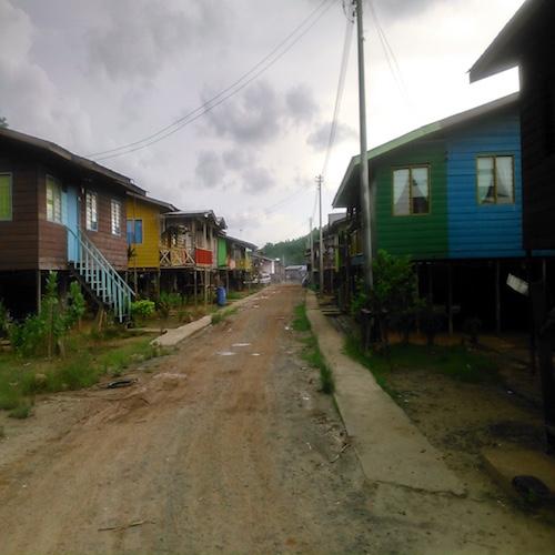陸地に移動したペニンバワン村の集落
