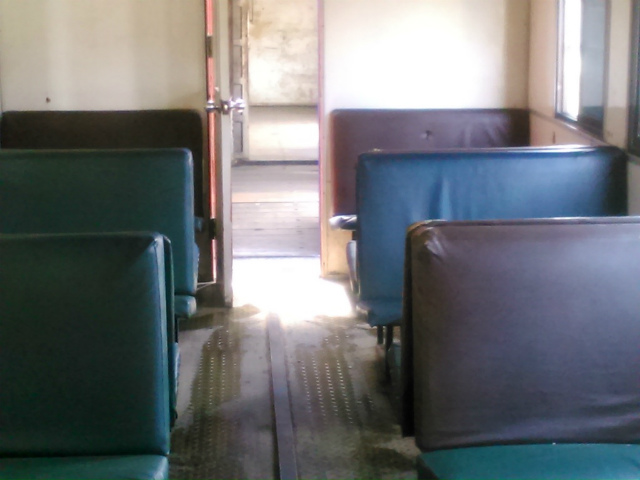 サバ州立鉄道の古い車内