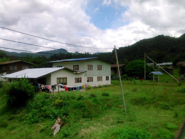 トゥムブン村の風景