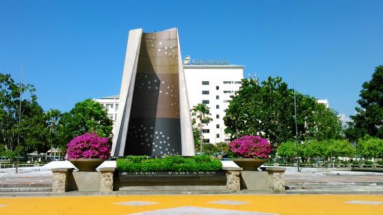 コタキナバルの英雄記念碑