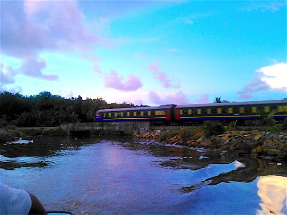 サバ州立鉄道が近くを走る川