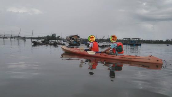 ムンカボン川でカヤック