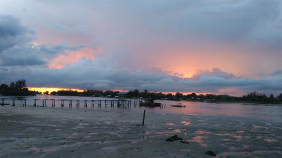 ムンカボン川の夕焼け
