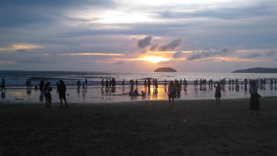 タンジュンアルビーチの夕陽