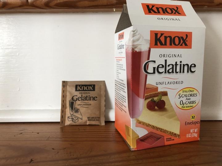 アメリカで一般的に売られているゼラチン。7グラムずつ小分けになっている。