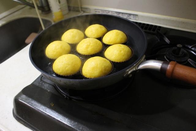 フライパンで蒸しパン