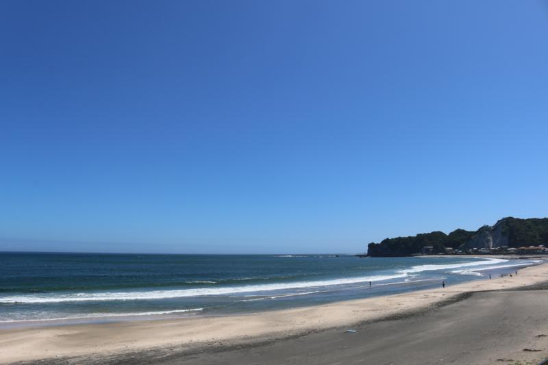 ツーリングで立ち寄った勝浦海岸!次回はウキワ持参できます。