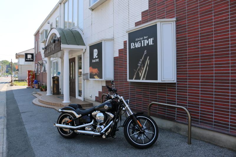 愛車「Harley Davidson FXSB」とジャズバー「RAG TIME」