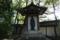 楠木正成の墓に寄り添うように建つ徳川光圀の像