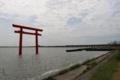 鹿島神社の一之鳥居(北浦)から神宮橋と新宮方面