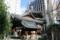 六角堂(後ろは池坊会館の近代建築。昔の日本建築が持つ思想性が際立