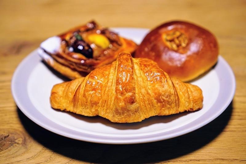 柳ヶ瀬のパン屋のパンシノンさんのクロワッサンとマロンデニッシュ