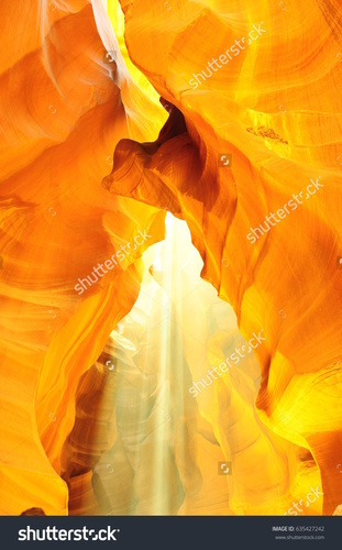 170518_stock-photo-it-is-upper-antelope-canyon-635427242.jpg