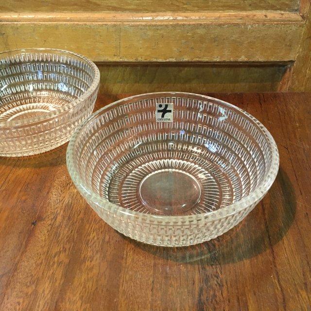 昭和レトロな曽我ガラスのプレスガラスの小鉢、中鉢、ガラスボウルの画像