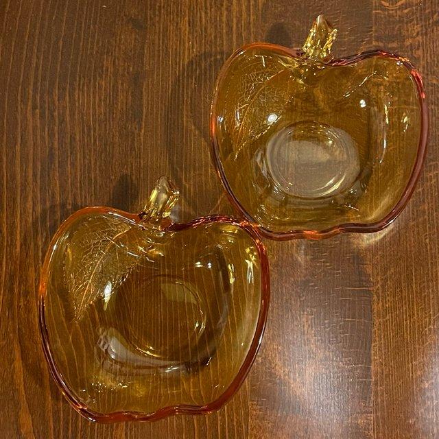 昭和レトロな曽我ガラスのりんごの小鉢、アンバーの画像