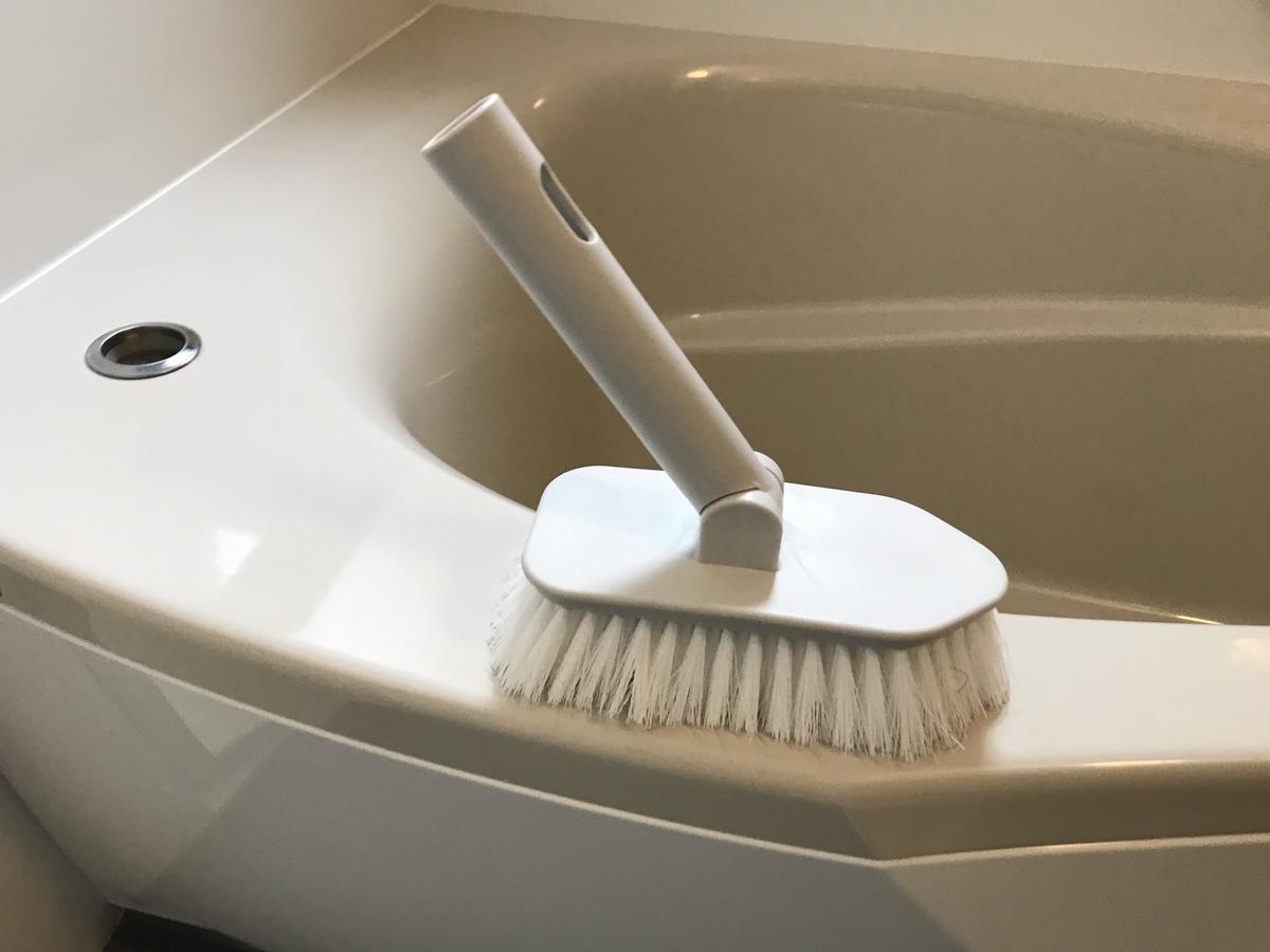 お風呂場掃除用ブラシ