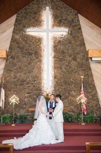 モアナルコミュニティ教会での結婚式シーン