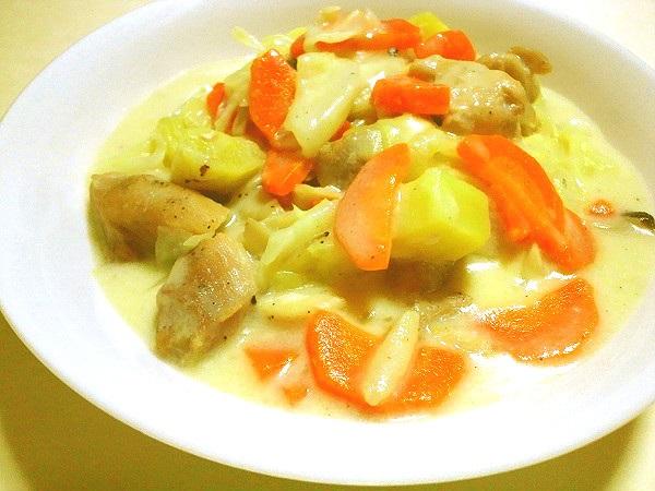 鶏肉とキャベツのクリーム煮(サツマイモ入り)