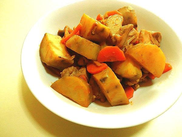 サツマイモと鶏肉のケチャップ甘辛炒め