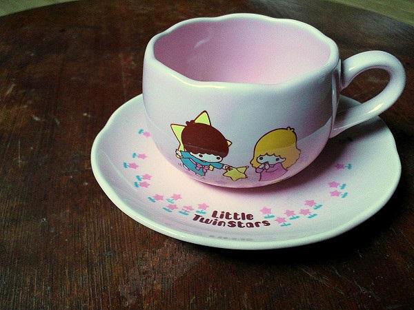キキとララのカップ&ソーサー