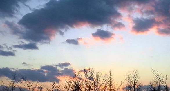 倉庫から見た夕空